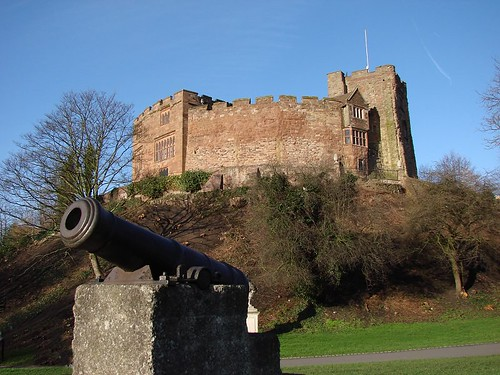 Tamworth Castle and a big gun. | by elvis_payne