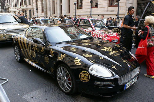 gumball 3000 london start playmates maserati grand sport team 8 caprice range rover. Black Bedroom Furniture Sets. Home Design Ideas