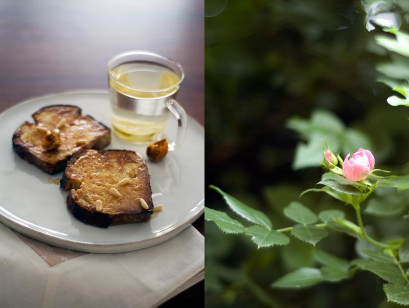 Rabanadas (com mel e pinhões)