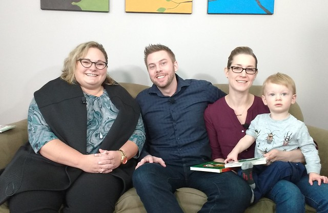 Minister Hoffman sits with an Edmonton family to talk about the carbon levy rebate