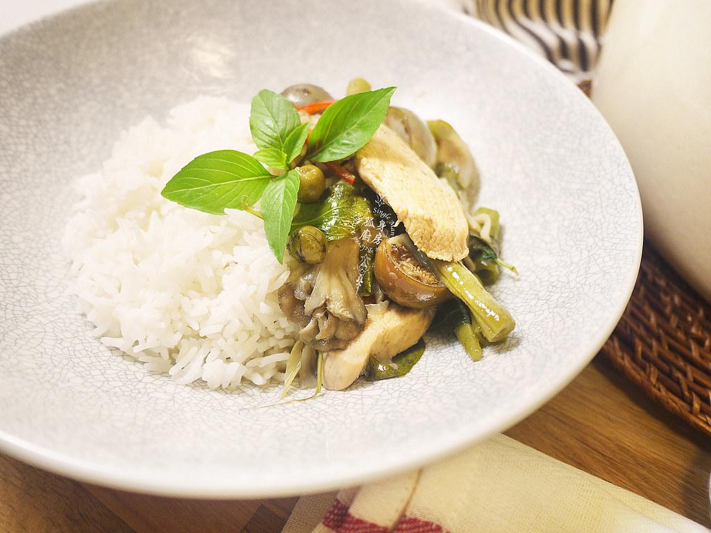 孤身廚房-滿滿新鮮香料版的泰式綠咖哩雞32