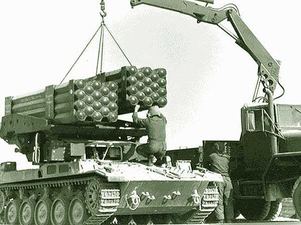 AMX-13-LAR-160-loading-rnf-1