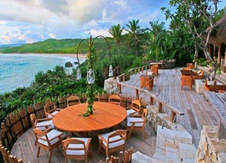restoran di nihiwatu resort
