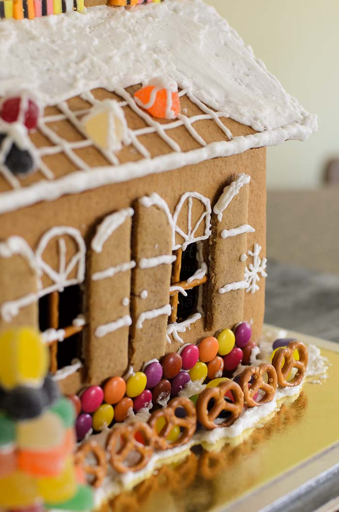Gingerbread house window with pretzel