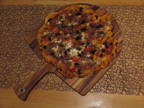 Pizza mit Anchovis (ganz)