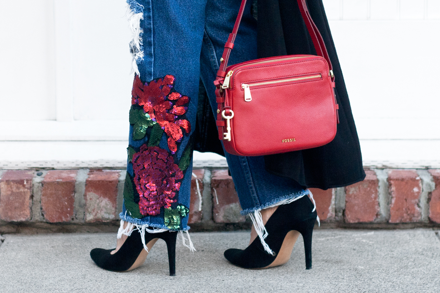 03holiday-sequins-floral-denim-red-fossil-style-fashion