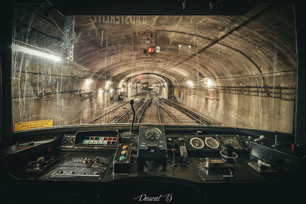 [Station famtôme] Porte Molitor 31791847502_1bbee2a377_b