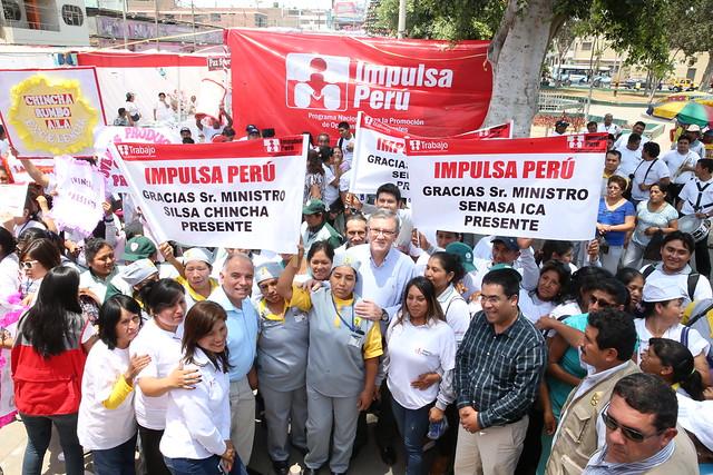09.12.2016 Ministro Grados inauguró feria de emprendimiento en Ica
