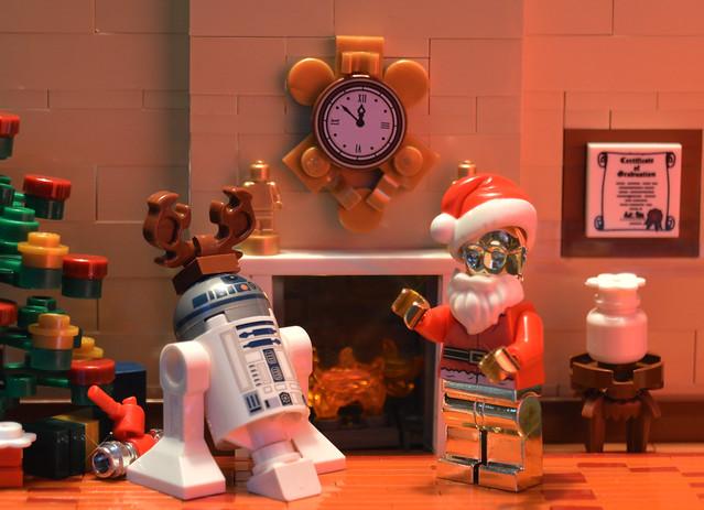 R2-REindeer and Santa-PO