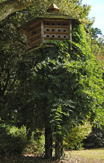 A rather extravagant bird house in a Santiago de Compostela park
