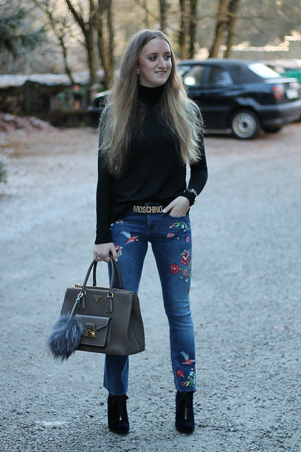 embroidered-jeans-whole-outfit-wiebkembg