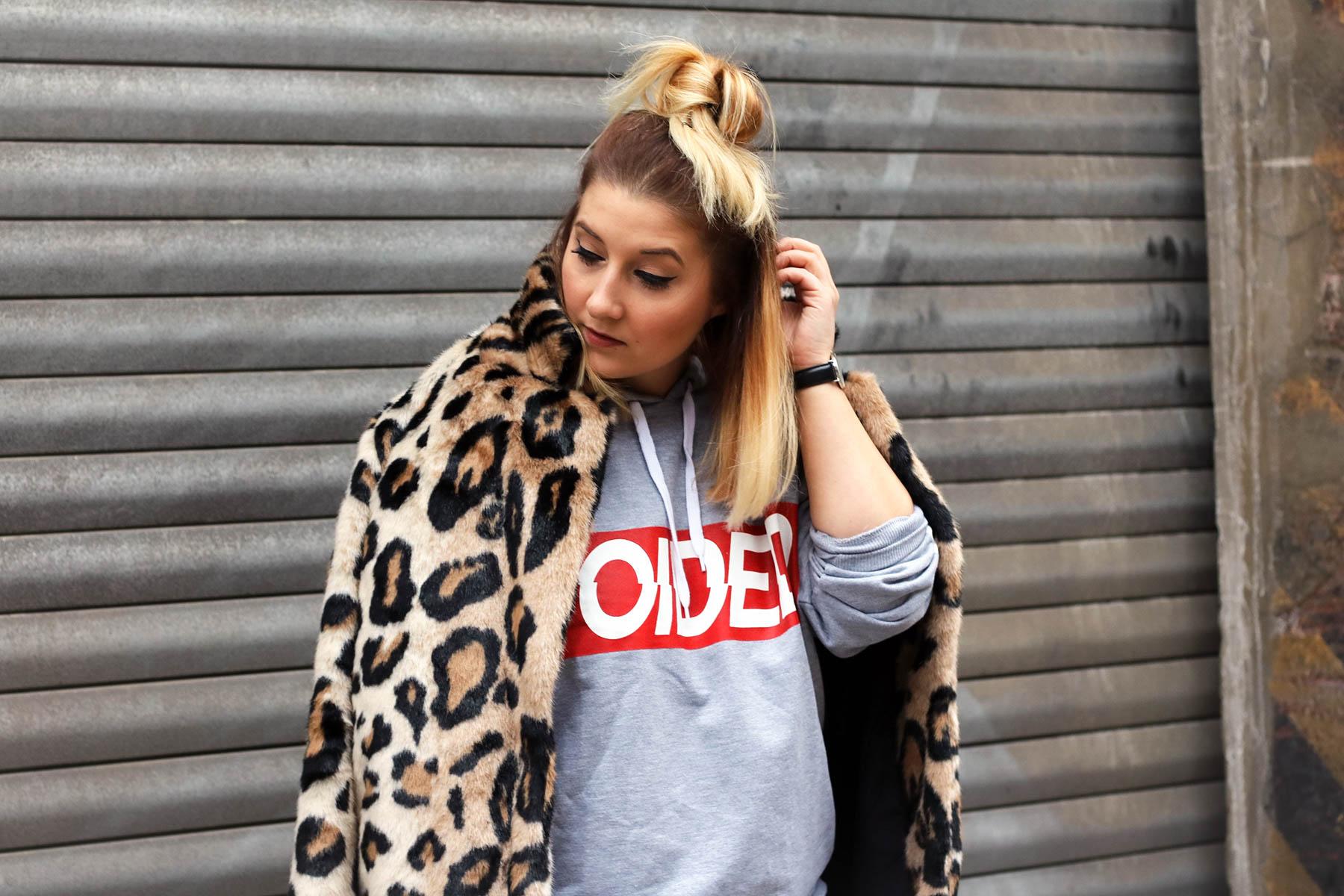 outfit-modeblog-fashionblog-fashionpassionlove-leo-mantel-trend-mantel-winter-sneaker-adidas32 (1 von 1)