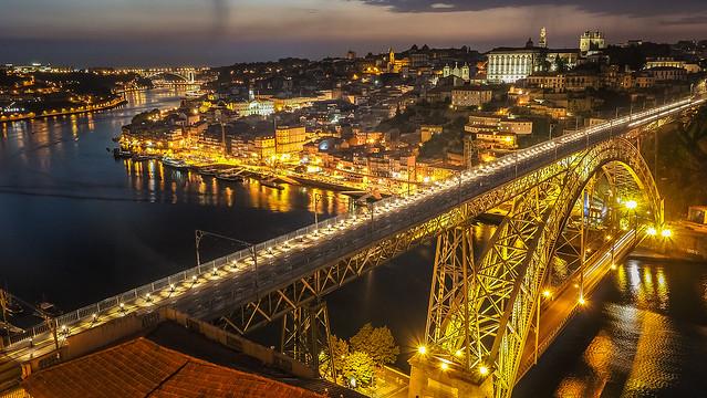 Вид на Порту из монастыря ордена Святого Августина. Ponte Luis I - Porto | Oporto - Portugal