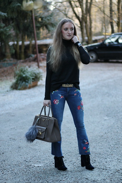 embroidered-jeans-whole-look-front-wiebkembg