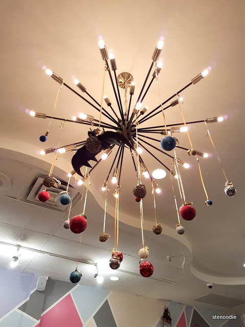 Moji Japanese Eatery lights