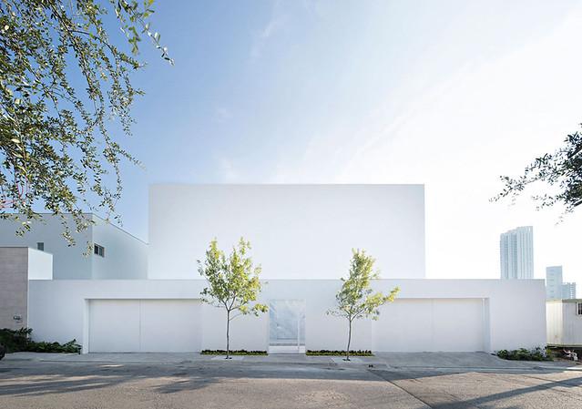 A-modern-Mexican-residence-Domus Aurea-1