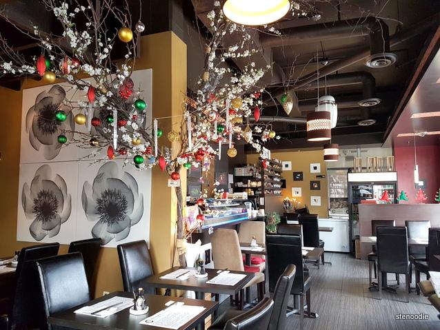 Hub Sushi Fusion Japanese Restaurant interior
