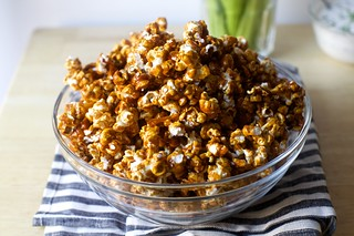 buffalo wing caramel corn