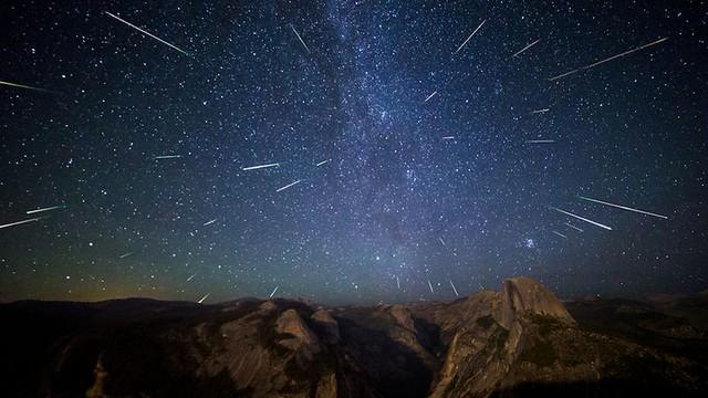 Une pluie d'étoiles filantes en vue : Un bonheur pour les astrophotographes !