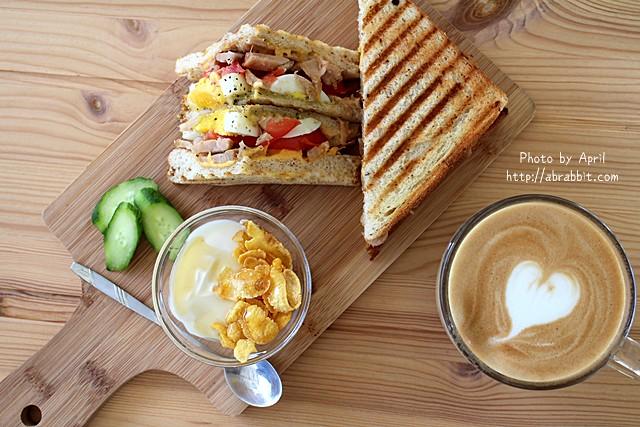 台中美食|途兒咖啡–貨櫃屋咖啡廳,台中早午餐、輕食、咖啡,IG熱門拍照景點,Toward Cafe@西屯區 玉門路