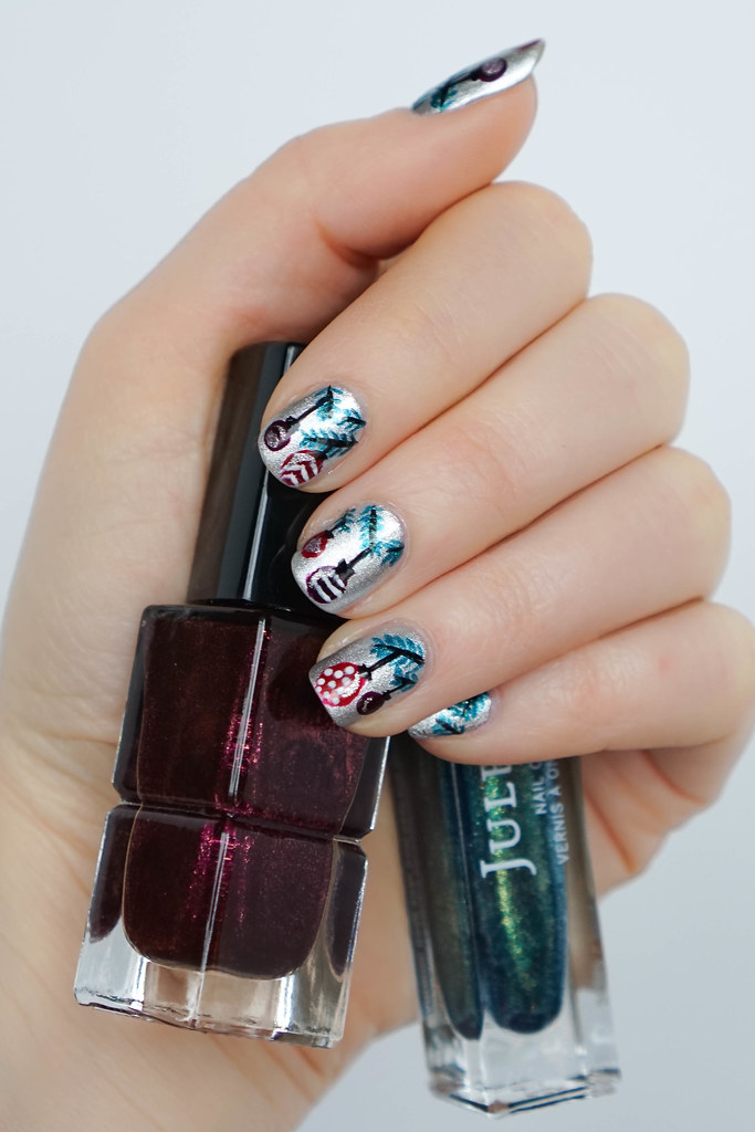Christmas ornament nail art living after midnite christmas ornaments nail art holiday manicure prinsesfo Gallery