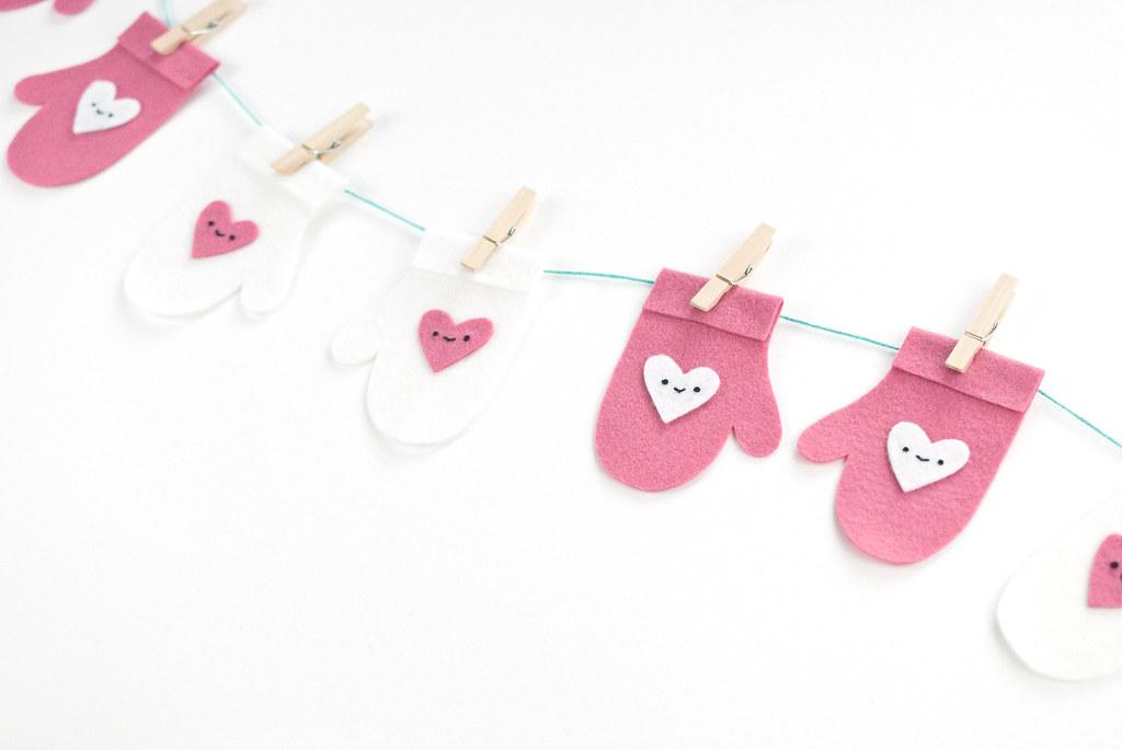 Valentine Heart Mitten Garland