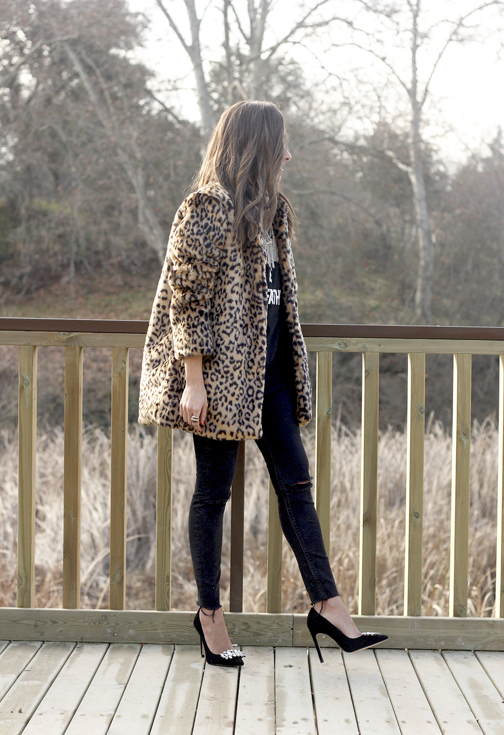 leopard coat black jeans jewel heels outfit style new year fashion04