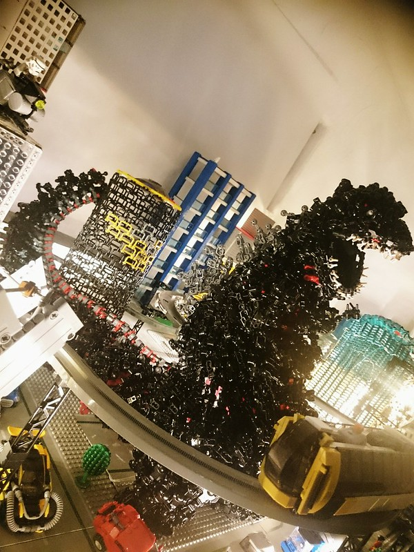 technically  lego godzilla    thousand pieces  brothers brick  brothers brick