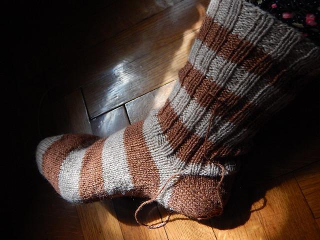 полосатый носок с пяткой задним числом | horoshogromko.ru
