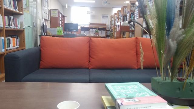 도서관 산책: 화령도서관