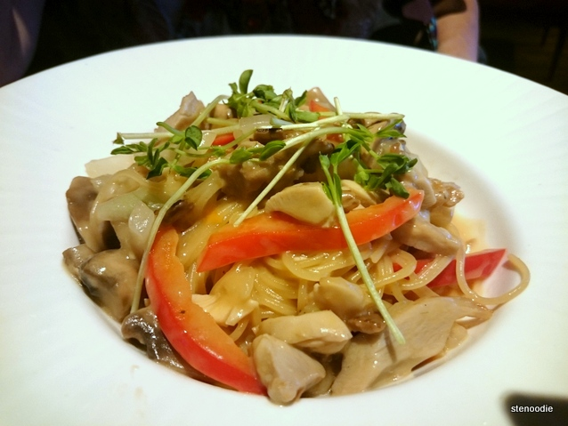 Mini-Angel Hair with Roasted Chicken & Fresh Organic Mushroom
