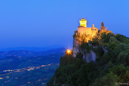 Rocca Cesta at night