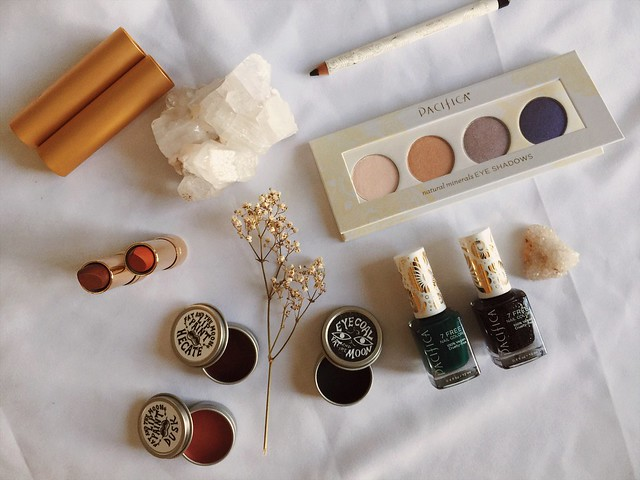 winter ethical + minimalist beauty guide http://violet-woods.blogspot.com