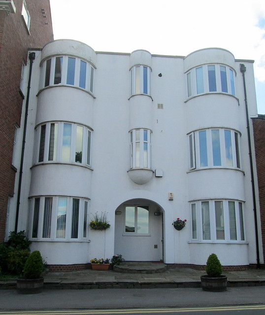 Knutsford; Art Deco?