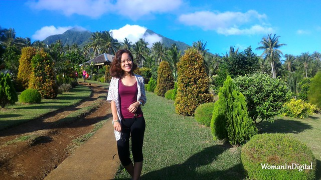 Woman-In-Digital-Organic-Farm-Tour-Samar