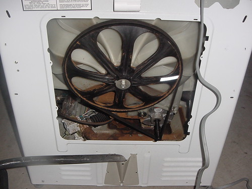 Maytag Neptune Washer with Bad Drum Bearings | by Zenzoidman