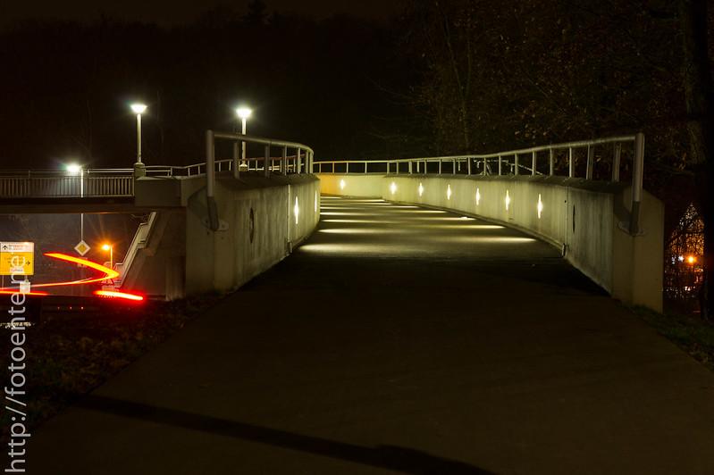 Fußweg mit Geisterlicht