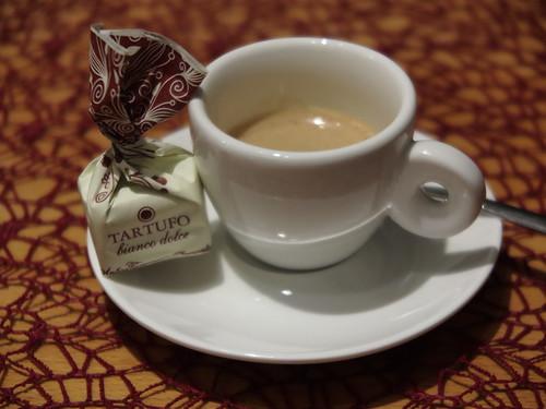 Tartufo bianco dolce zum Espresso