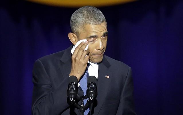 Se conmueve Barack Obama, durante su último discurso como presidente de EEUU