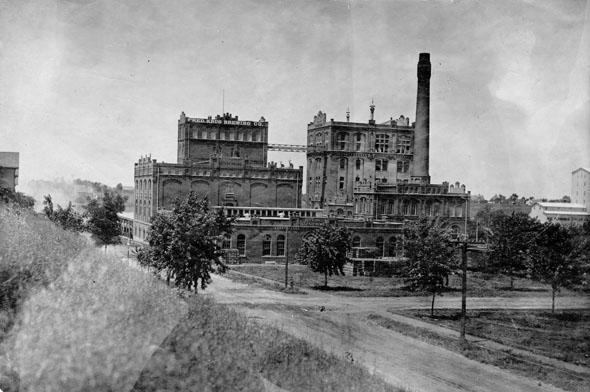 Krug-Brewery-1920