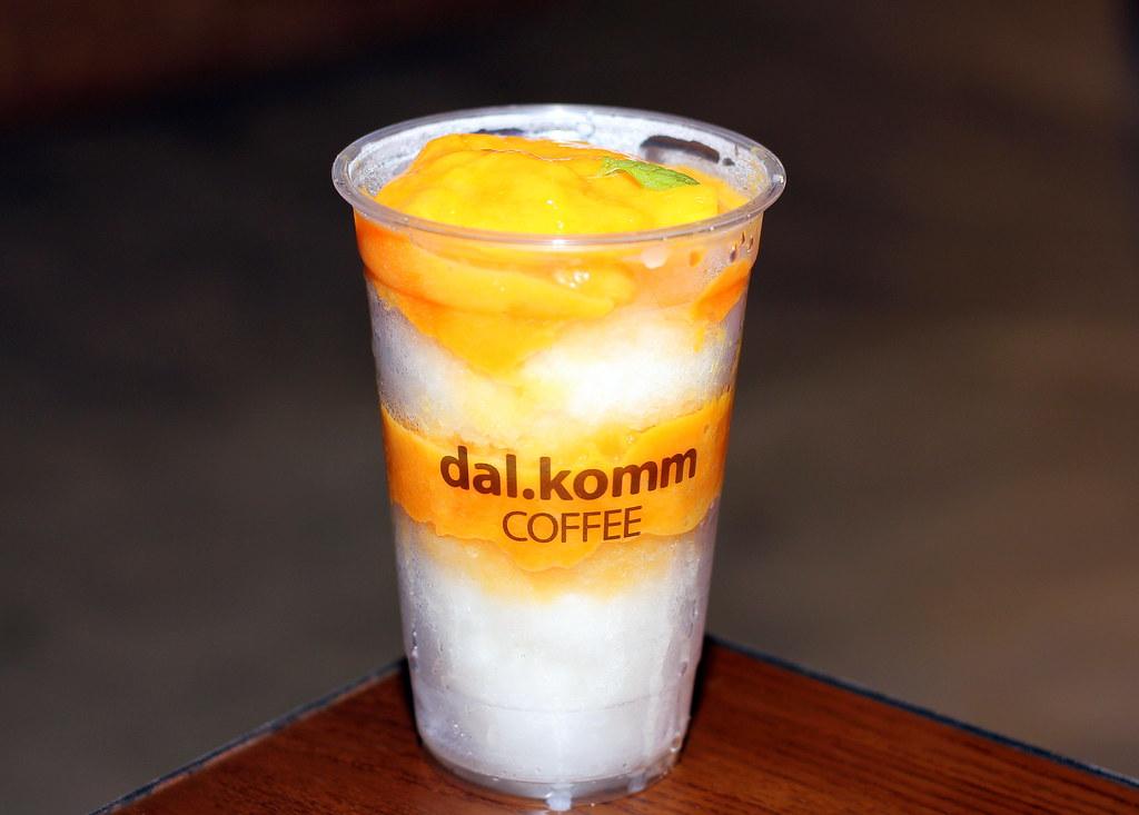 dalkomm-coffee-mango-bingsu