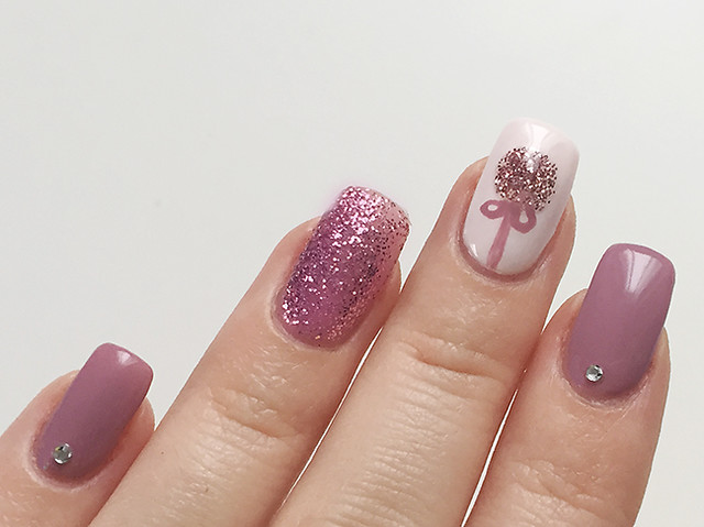 Nailart: Sensational Christbaumkugeln