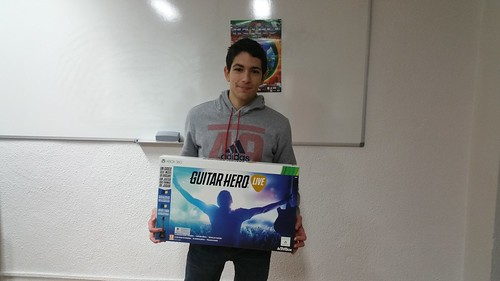 NEW & RETRO Valladolid GAME FESTIVAL 2016. Ganador sorteo GUITAR HERO