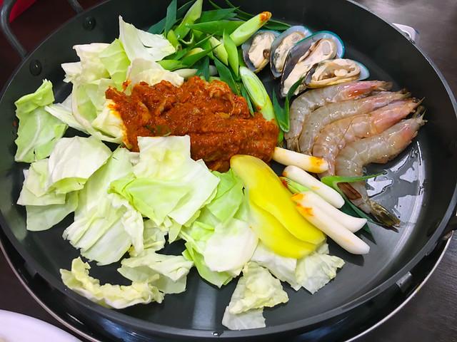 Seafood Chicken Dak Galbi