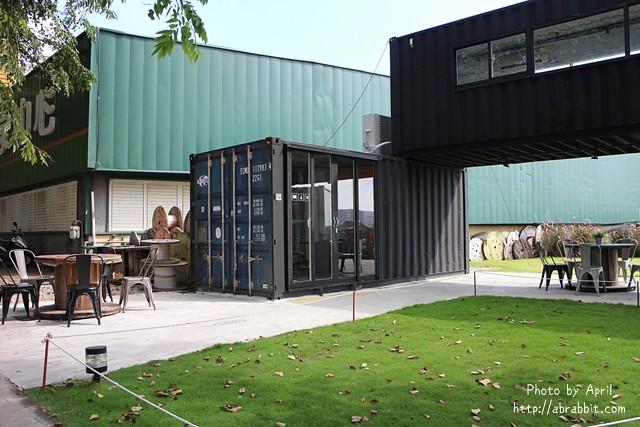 31546086022 6b7fc5710d z - [台中]Toward Cafe 途兒咖啡--貨櫃屋咖啡廳,早午餐、輕食、咖啡@西屯區 玉門路(已歇業)
