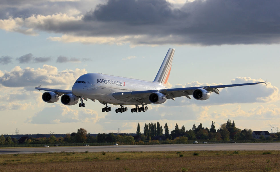 Pezsgőt mindenkinek! - kipróbáltuk az Air France A380-asát