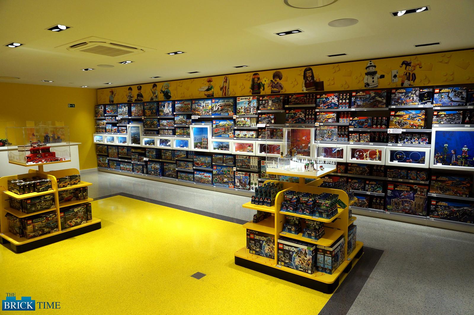 LEGO Store Berlin First Floor