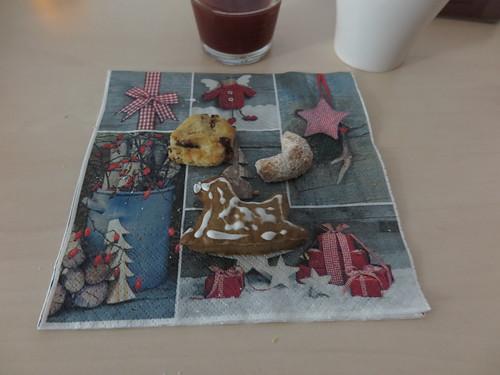 Unsere Plätzchen (bei Weihnachtsfeier im Büro)
