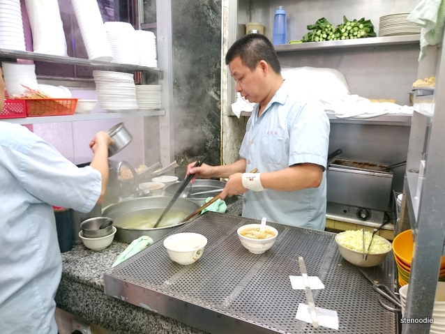 Mak Man Kee kitchen