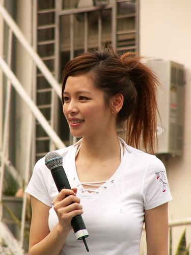 "050409 Vivian Hsu ""Love recklessly"" event"